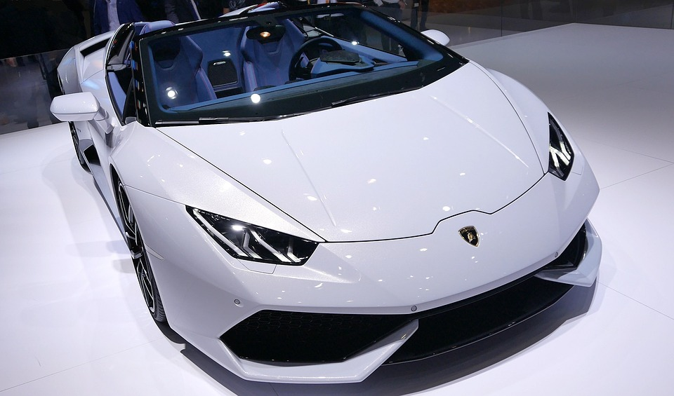 Best Sports Car in 2016 – Lamborghini Aventador Roadster